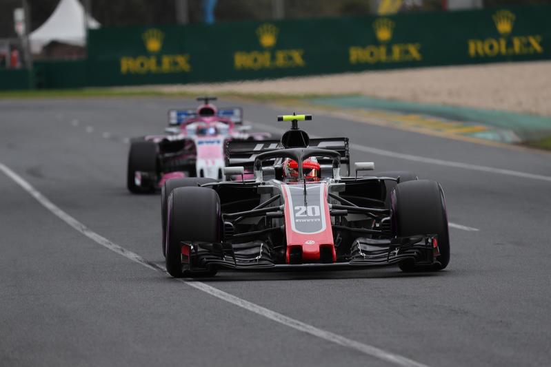 Ferrari messa sotto accusa da due team