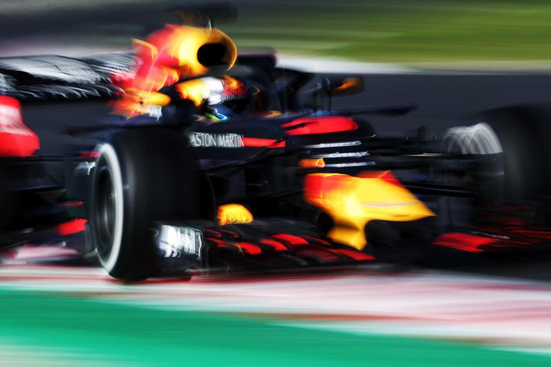 Test F1 Barcellona 2018, Sessione 2 – Giorno 2: Ricciardo davanti a Hamilton al mattino