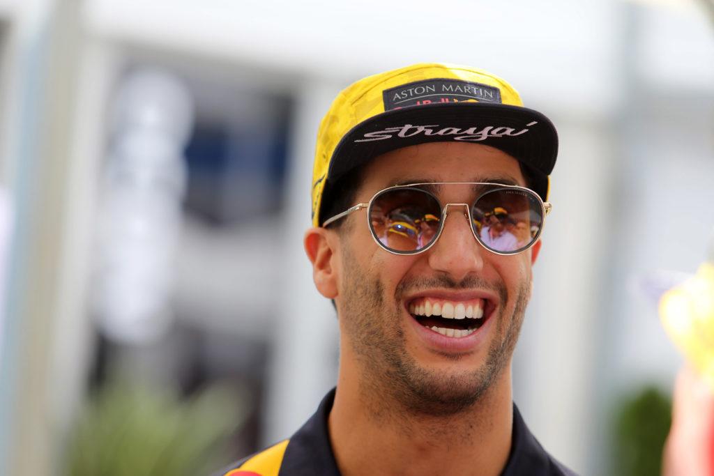 F1 | Il mercato piloti inizia a tessere la propria tela, Ricciardo in Ferrari: realtà o semplice indiscrezione?