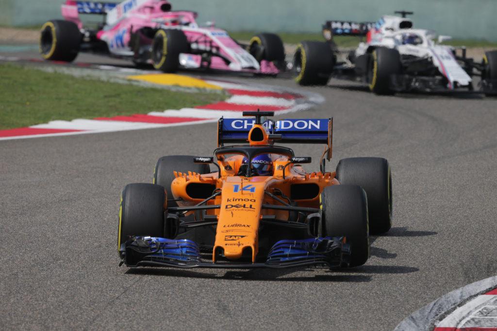 """F1   McLaren, Alonso sul sorpasso a Vettel: """"Aveva grossi problemi in curva"""""""