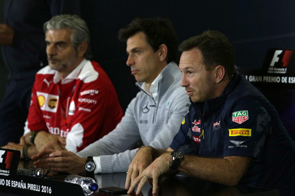 """F1   Horner: """"Red Bull mai vittima del potere di Ferrari e Mercedes. Per questo li innervosiamo…"""""""