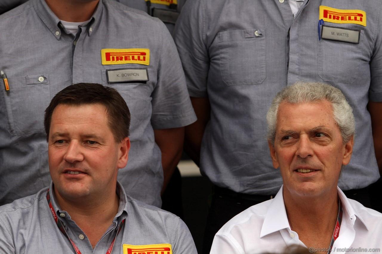GP BRASILE, 27.11.2011- Paul Hembery, Pirelli Motorspor Director e Marco Tronchetti Provera (ITA), Pirelli's President