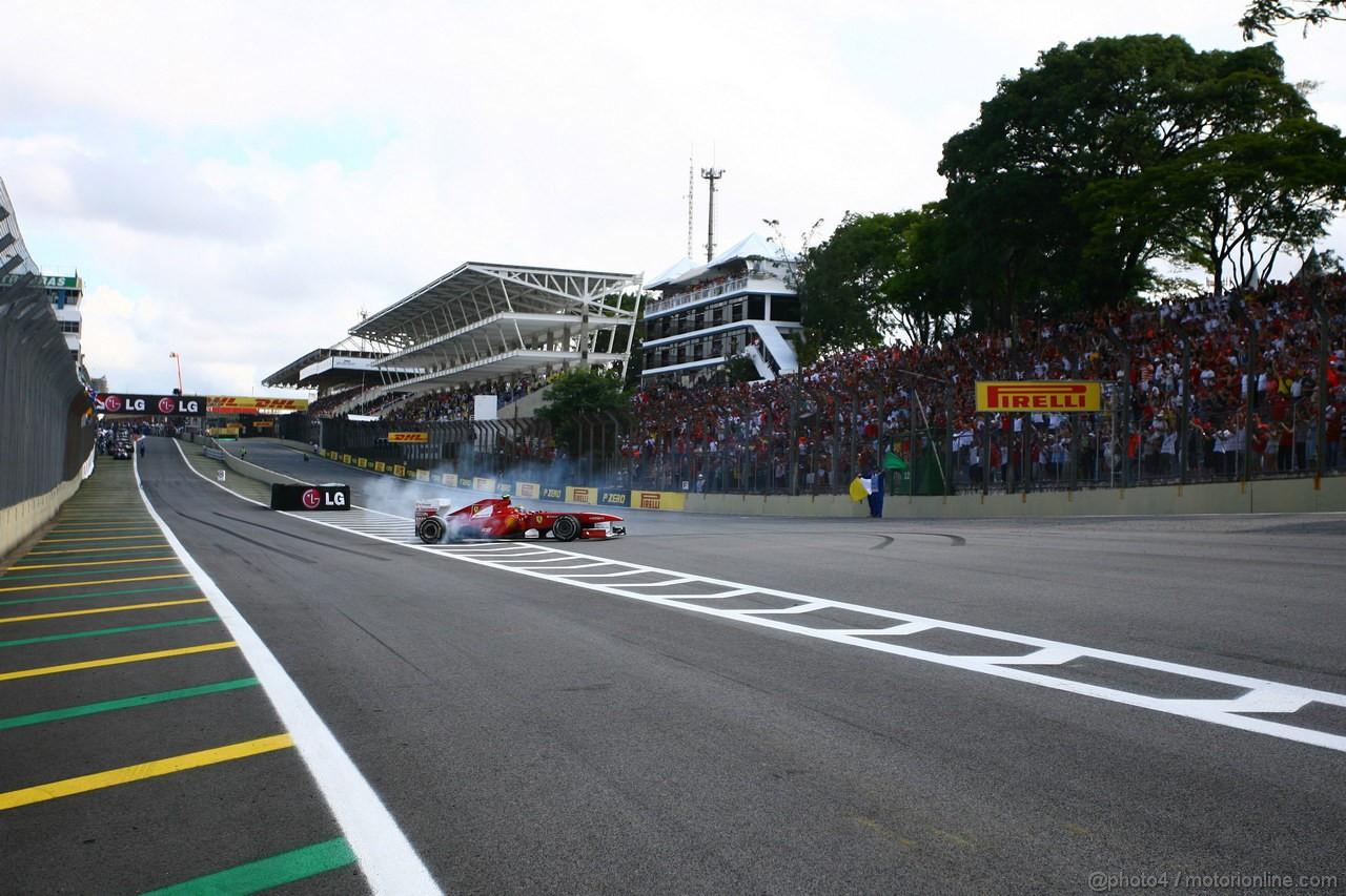 GP BRASILE, 27.11.2011- Gara, Felipe Massa (BRA), Ferrari, F-150 Italia after the race