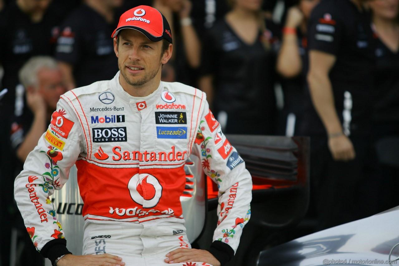 GP BRASILE, 26.11.2011- Team Picture, Jenson Button (GBR), McLaren  Mercedes, MP4-26