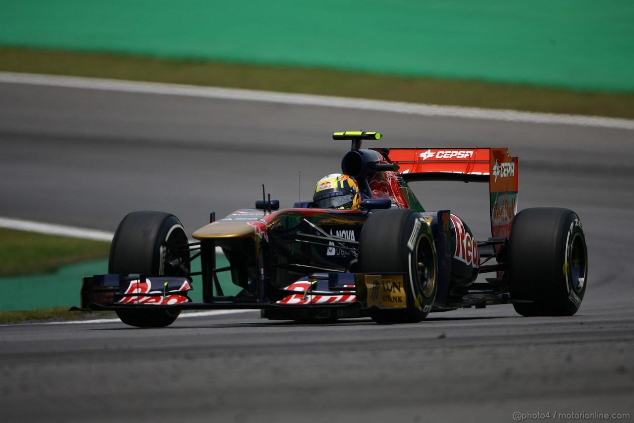 GP BRASILE, 26.11.2011- Qualifiche, Jaime Alguersuari (SPA), Scuderia Toro Rosso, STR6