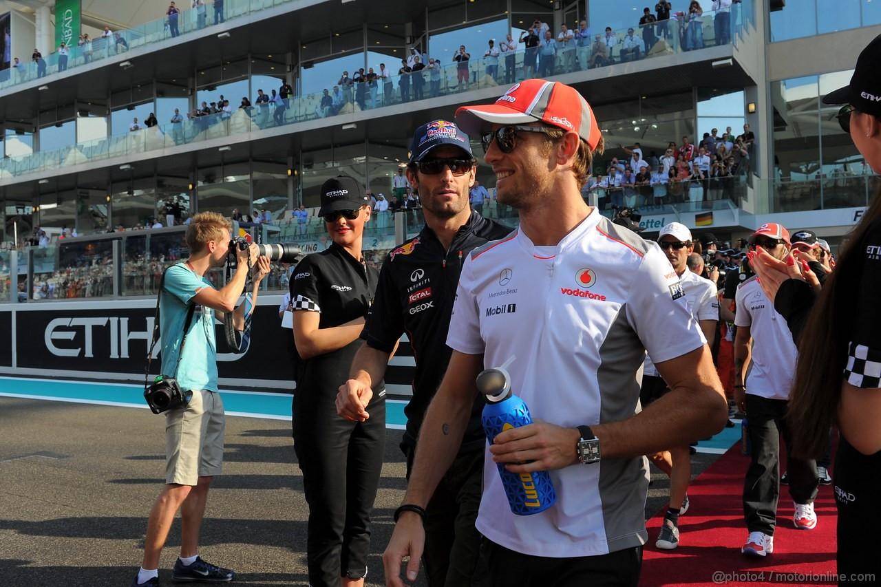 GP ABU DHABI, Drivers Parade: Jenson Button (GBR) McLaren Mercedes MP4-27 e Mark Webber (AUS) Red Bull Racing RB8