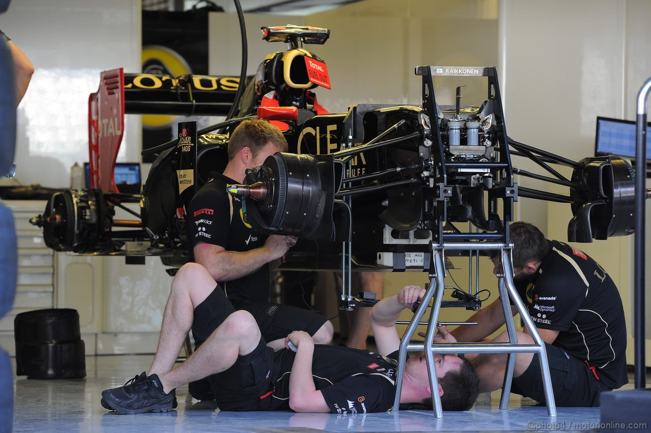 GP ABU DHABI, Lotus Mechanics