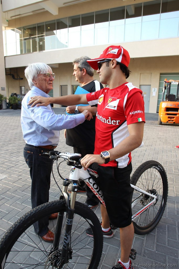 GP ABU DHABI, Bernie Ecclestone (GBR) CEO Formula One Group (FOM) e Felipe Massa (BRA) Ferrari F2012