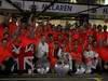 GP AUSTRALIA, The McLaren team celebrate Jenson Button (GBR), McLaren Mercedes win, with John Button, Martin Whitmarsh (GBR), McLaren, Chief Executive Officer, Jessica Michibata (JPN) girlfriend of Jenson Button (GBR) e Lewis Hamilton (GBR), McLaren Mercedes