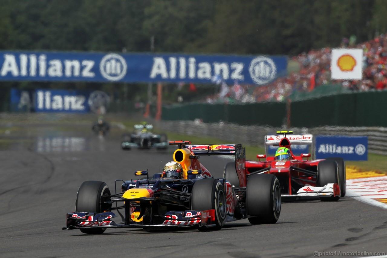 GP BELGIO, 02.09.2012- Gara, Sebastian Vettel (GER) Red Bull Racing RB8 davanti a Felipe Massa (BRA) Ferrari F2012