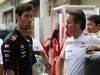 GP BRASILE, 25.11.2012- Mark Webber (AUS) Red Bull Racing RB8, Sebastian Vettel (GER) Red Bull Racing RB8 e Sam Michael (AUS) McLaren Sporting Director