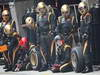 GP CHINA, 15.04.2012 - Gara, Pitstop Waiting Kimi Raikkonen (FIN) Lotus F1 Team E20