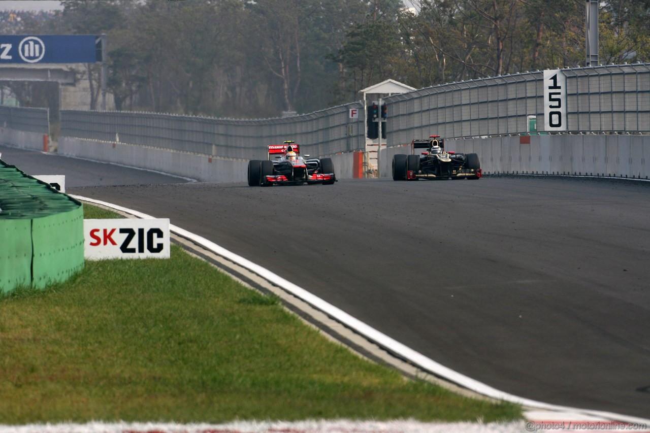 GP COREA, 14.10.2012- Gara, Lewis Hamilton (GBR) McLaren Mercedes MP4-27 e Kimi Raikkonen (FIN) Lotus F1 Team E20