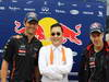 GP COREA, 14.10.2012- Psy (KOR) Rapper famous for Gangnam Style with Mark Webber (AUS) Red Bull Racing (Left) e Sebastian Vettel (GER) Red Bull Racing (Right).