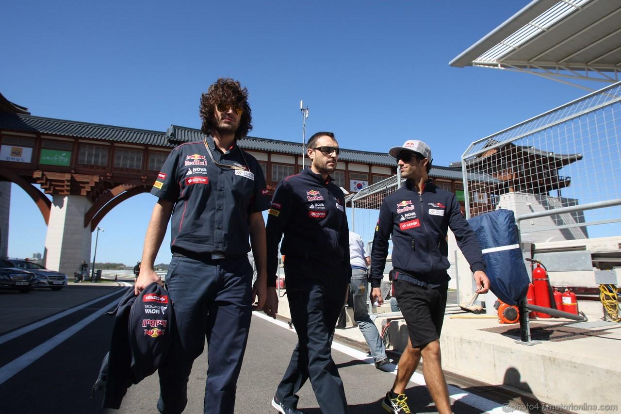 GP COREA, 11.10.2012- Daniel Ricciardo (AUS) Scuderia Toro Rosso STR7