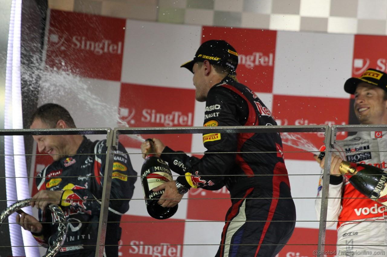 GP SINGAPORE, 23.09.2012 - Podium: winner Sebastian Vettel (GER) Red Bull Racing RB8, 2nd Jenson Button (GBR) McLaren Mercedes MP4-27