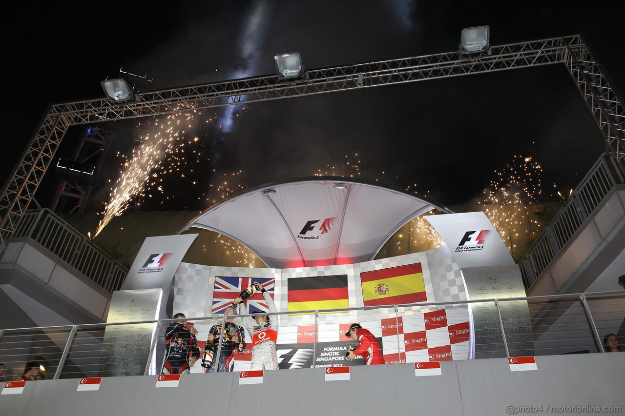 GP SINGAPORE, 23.09.2012 - Podium, winner Sebastian Vettel (GER) Red Bull Racing RB8, 2nd Jenson Button (GBR) McLaren Mercedes MP4-27, 3rd Fernando Alonso (ESP) Ferrari F2012