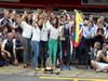 GP SPAGNA, 13.05.2012- Festeggiamenti, Pastor Maldonado (VEN) Williams F1 Team FW34 vincitore