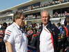 GP USA, 18.11.2012 - Gara,  Helmut Marko (AUT), Red Bull Racing, Red Bull Advisor e Norbert Haug (GER), Mercedes Motorsport chief