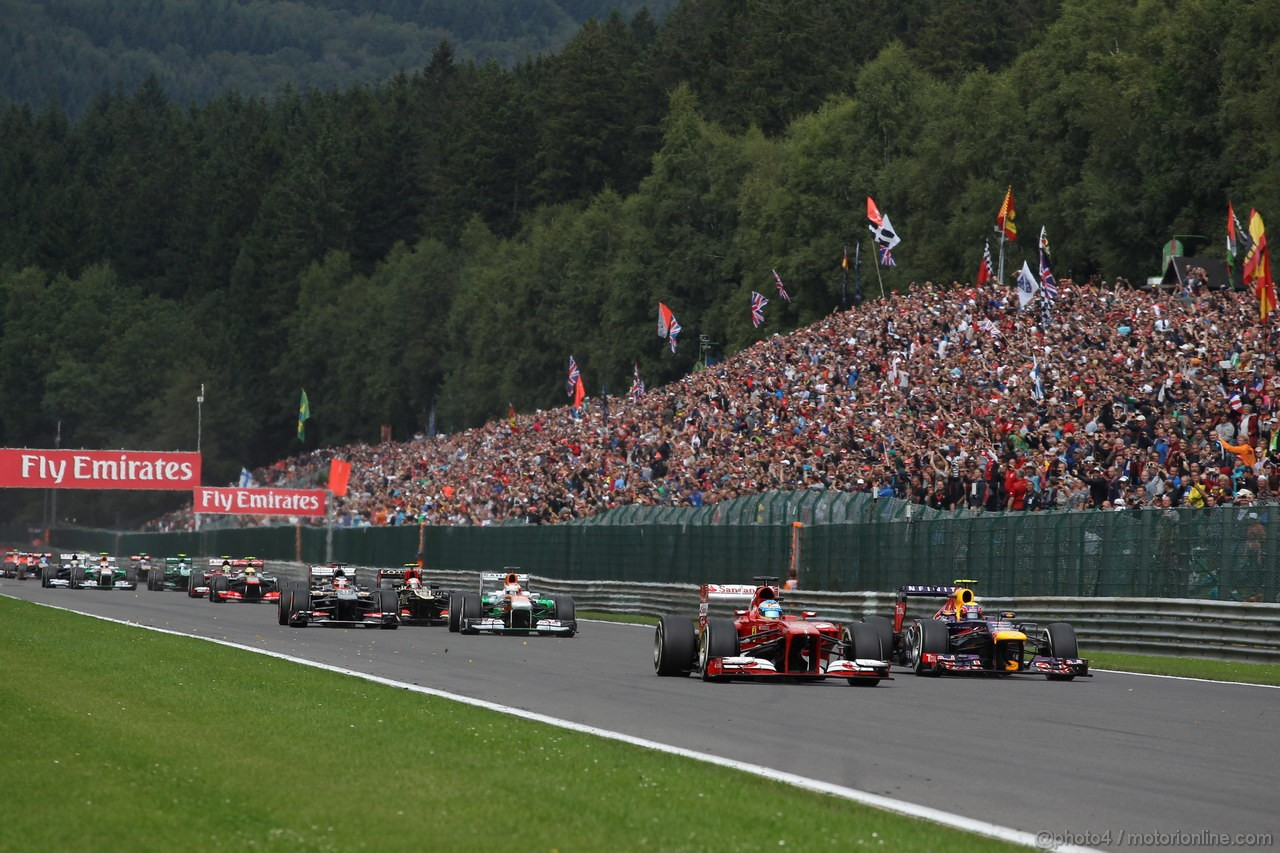 GP BELGIO, 25.08.2013-  Gara, Fernando Alonso (ESP) Ferrari F138 e Mark Webber (AUS) Red Bull Racing RB9