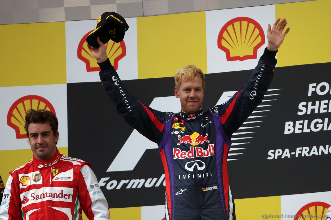 GP BELGIO, 25.08.2013-  Gara, 1st position Sebastian Vettel (GER) Red Bull Racing RB9 e secondo Fernando Alonso (ESP) Ferrari F138