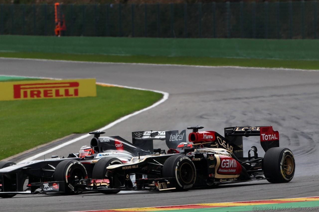 GP BELGIO, 25.08.2013-  Gara, Nico Hulkenberg (GER) Sauber F1 Team C32 e Kimi Raikkonen (FIN) Lotus F1 Team E21