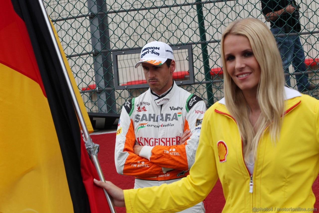 GP BELGIO, 25.08.2013-  Gara, Adrian Sutil (GER), Sahara Force India F1 Team VJM06 e griglia Ragazza