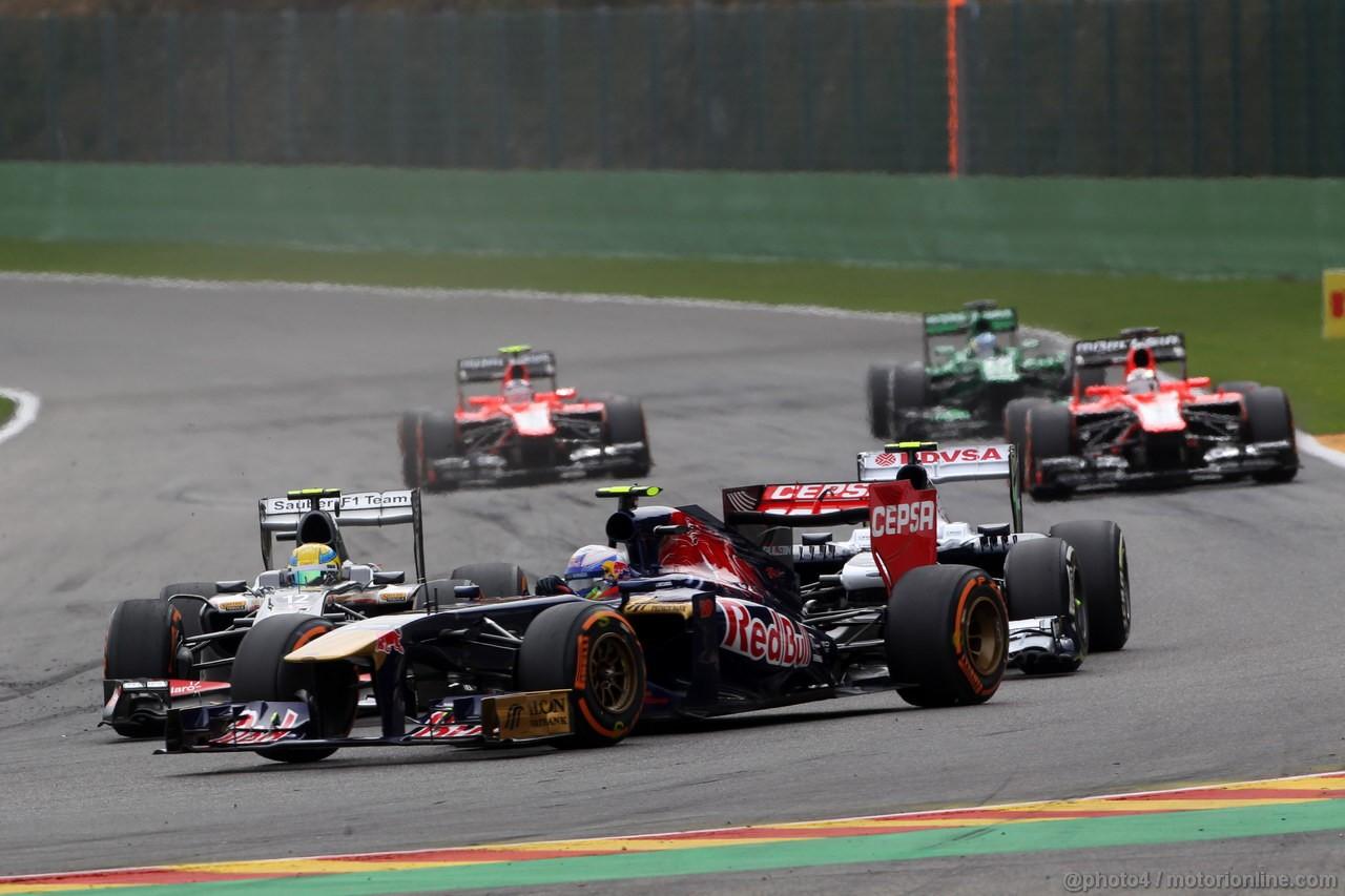 GP BELGIO, 25.08.2013-  Gara, Daniel Ricciardo (AUS) Scuderia Toro Rosso STR8 e Esteban Gutierrez (MEX), Sauber F1 Team C32