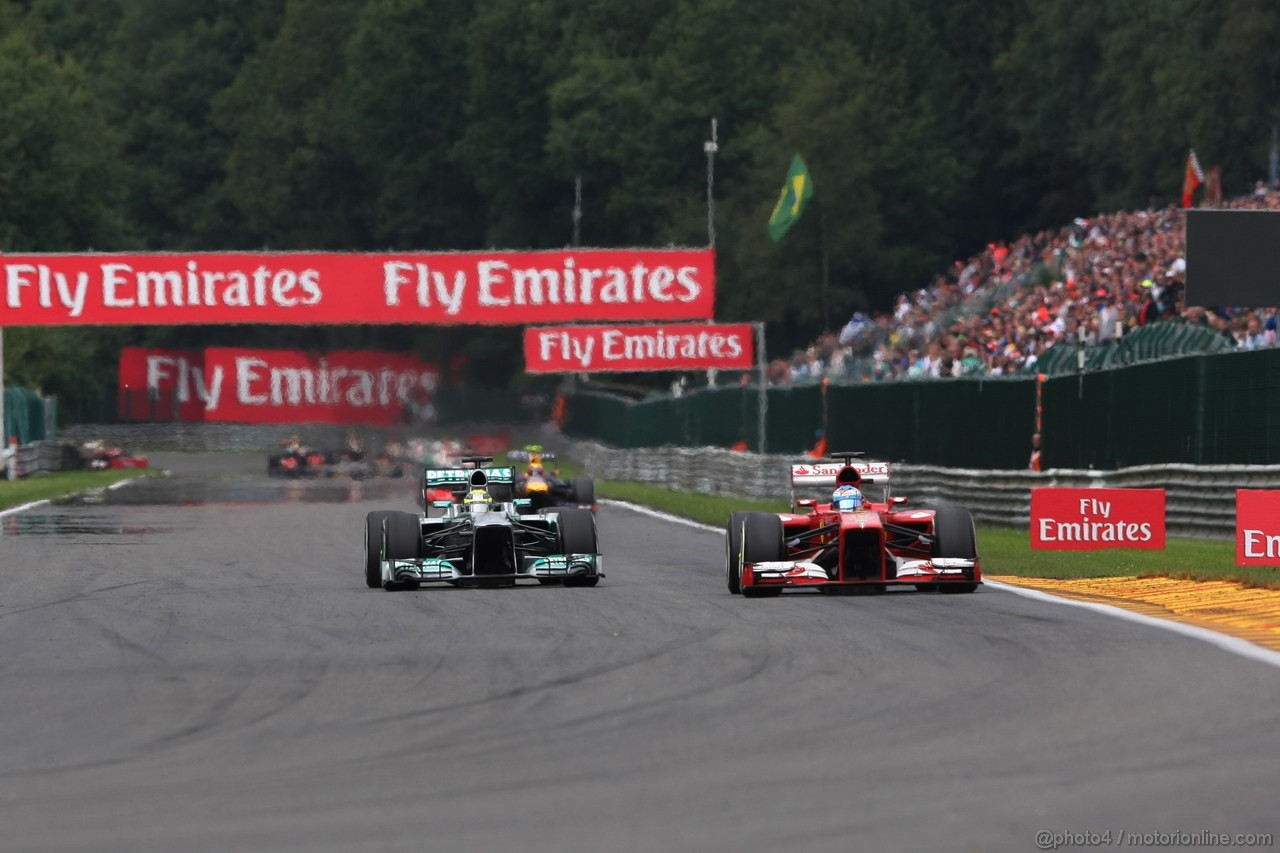 GP BELGIO, 25.08.2013-  Gara, Nico Rosberg (GER) Mercedes AMG F1 W04 e Fernando Alonso (ESP) Ferrari F138