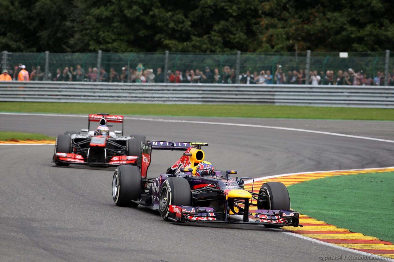 GP BELGIO, 25.08.2013-  Gara, Mark Webber (AUS) Red Bull Racing RB9 e Jenson Button (GBR) McLaren Mercedes MP4-28