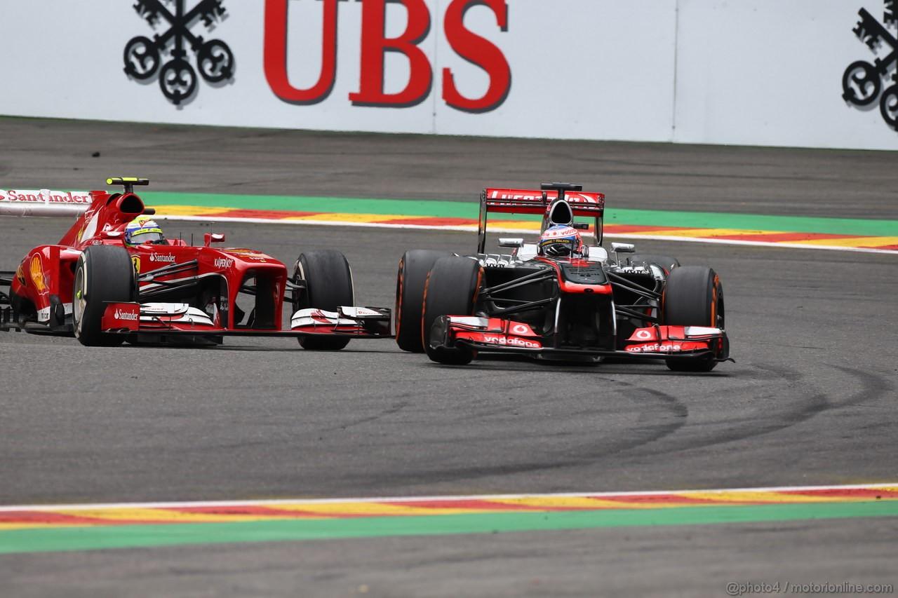 GP BELGIO, 25.08.2013-  Gara, Felipe Massa (BRA) Ferrari F138 e Jenson Button (GBR) McLaren Mercedes MP4-28