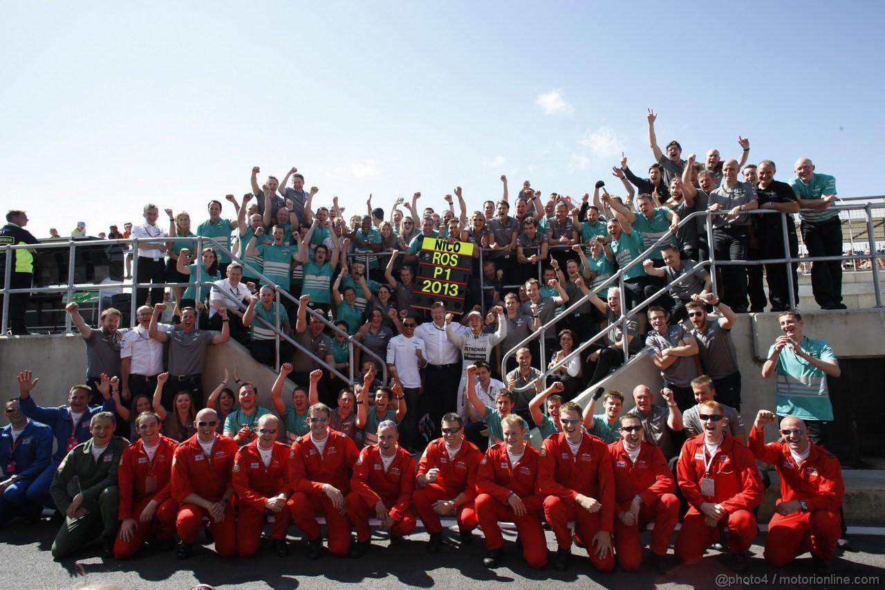 GP GRAN BRETAGNA, 30.06.2013- Nico Rosberg (GER) Mercedes AMG F1 W04 is celebrating his victory