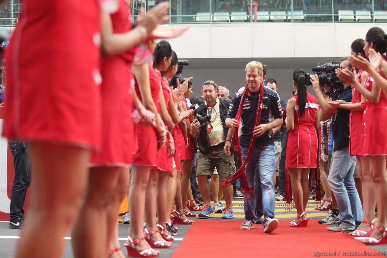 GP INDIA, 27.10.2013- Drivers parade: Sebastian Vettel (GER) Red Bull Racing RB9