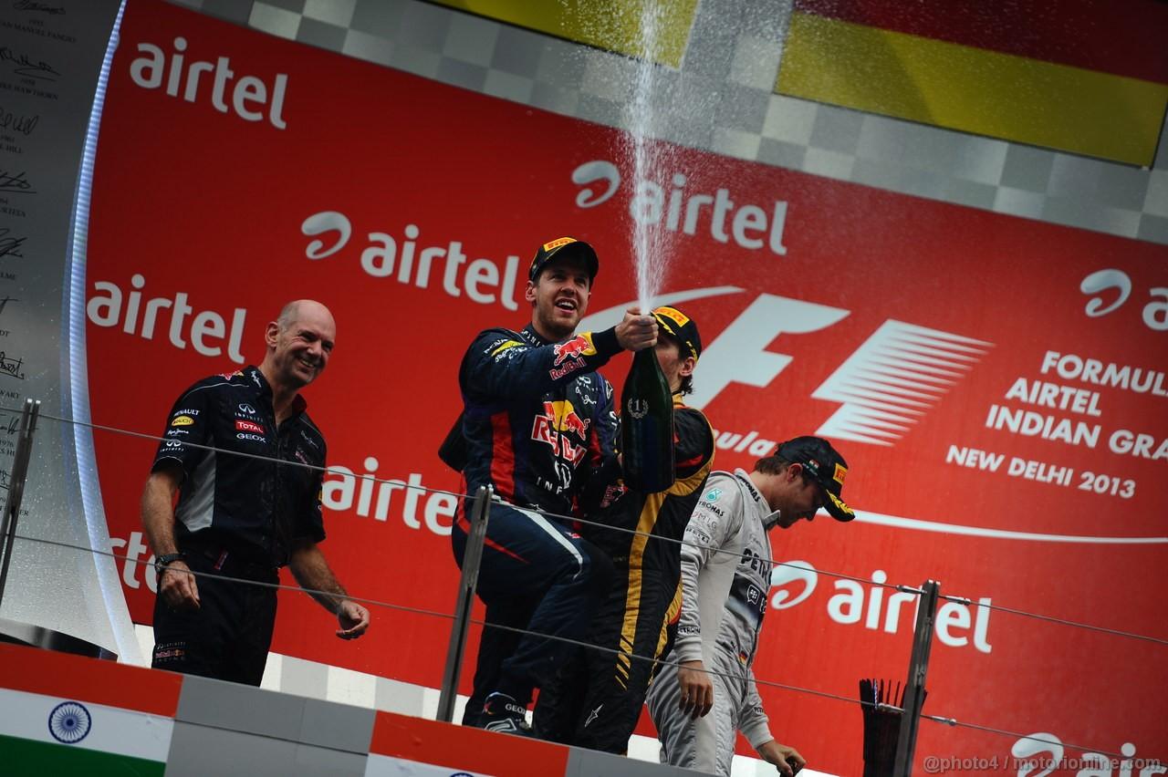 GP INDIA, 27.10.2013- Podium: Sebastian Vettel (GER) Red Bull Racing RB9 (vincitore), Nico Rosberg (GER) Mercedes AMG F1 W04 (secondo) e Romain Grosjean (FRA) Lotus F1 Team E21 (terzo)