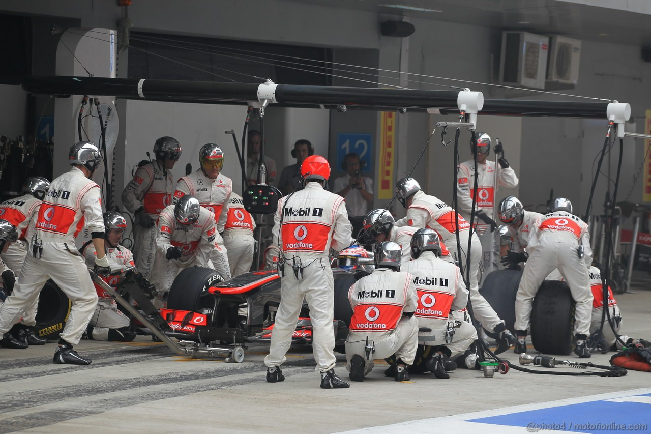 GP INDIA, 27.10.2013- Gara: Jenson Button (GBR) McLaren Mercedes MP4-28