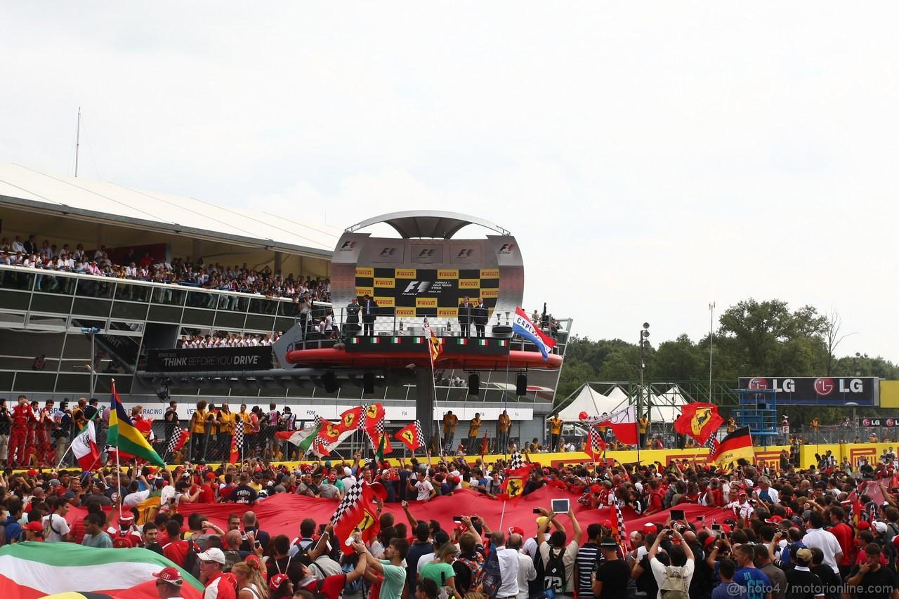 GP ITALIA, 08.09.2013- Fans on the track