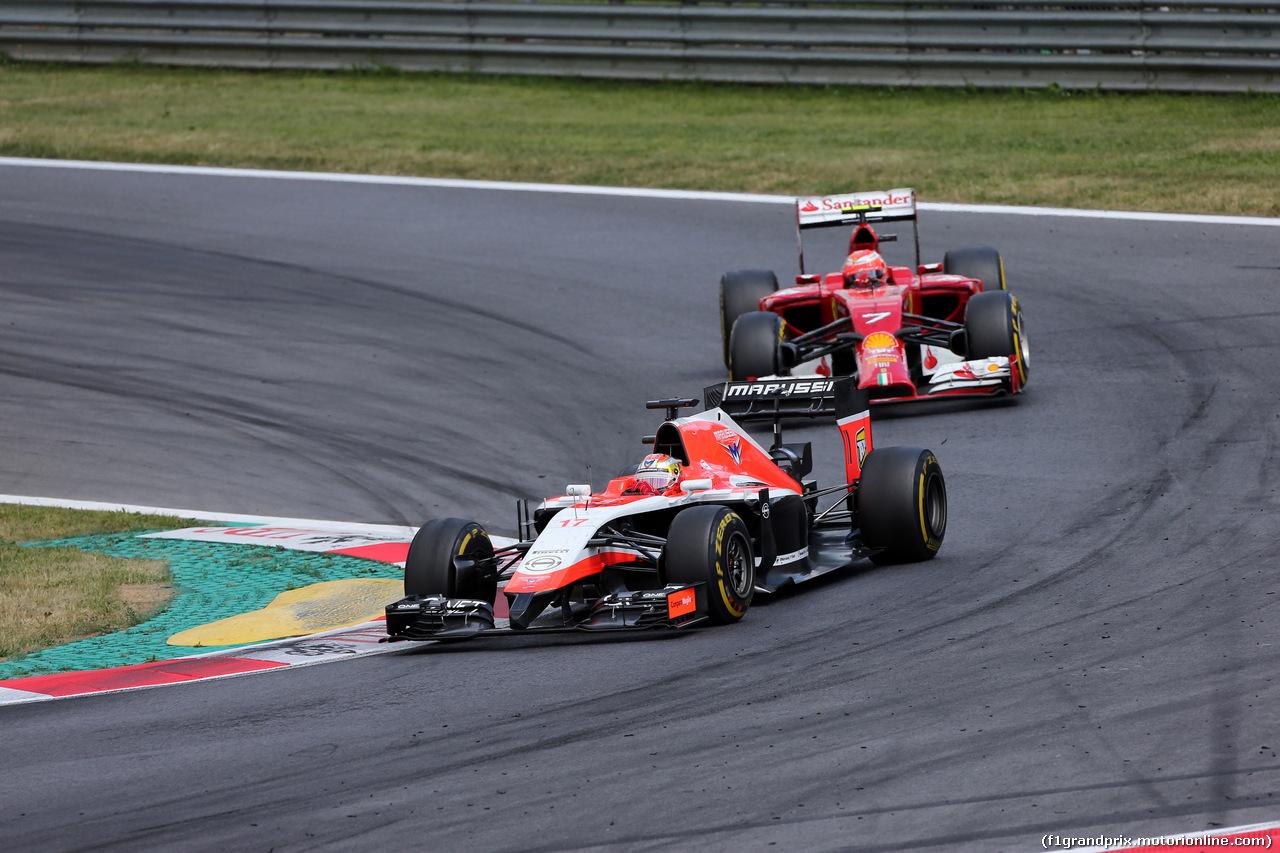 GP AUSTRIA, 22.06.2014- Gara, Jules Bianchi (FRA) Marussia F1 Team MR03 e Kimi Raikkonen (FIN) Ferrari F14-T