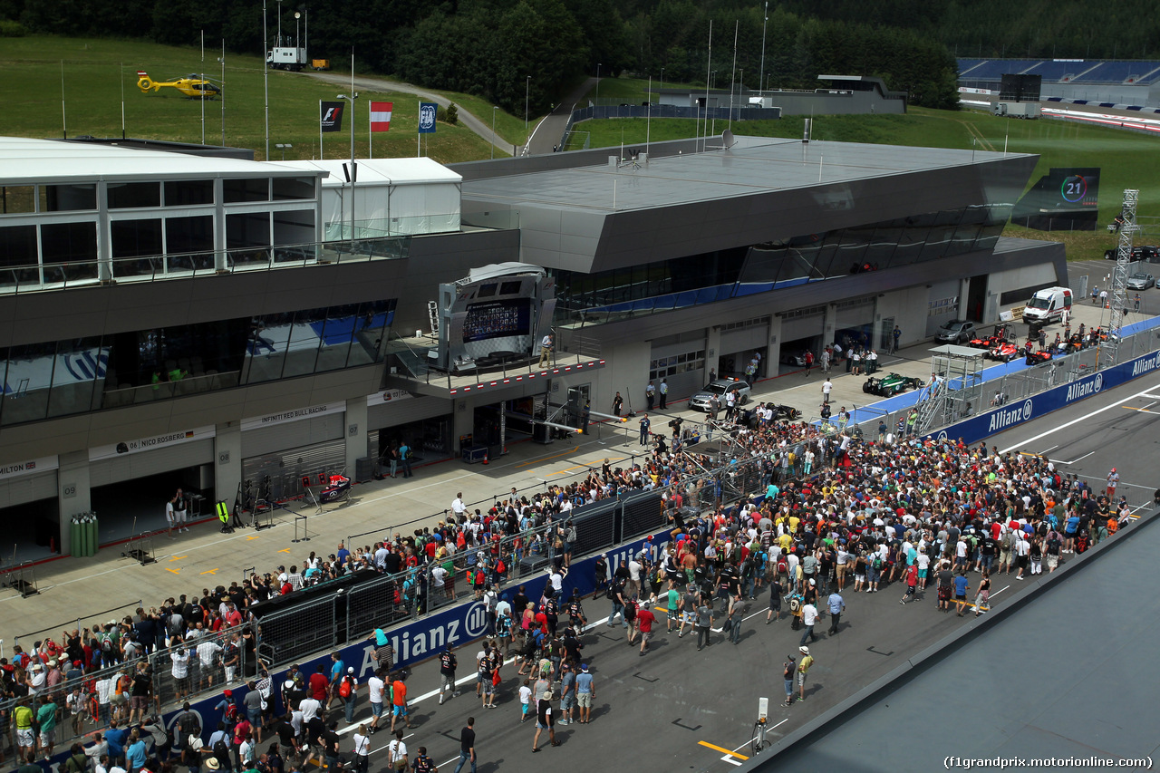 GP AUSTRIA, 19.06.2014- The fans on the track