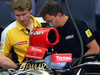 GP AUSTRIA, 19.06.2014- Mechanics work on the car