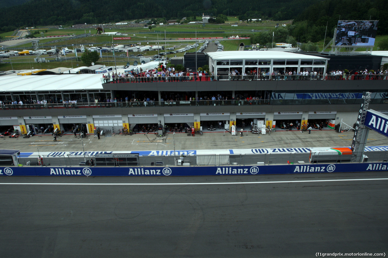 GP AUSTRIA, 21.06.2014- Qualifiche, View of pit lane