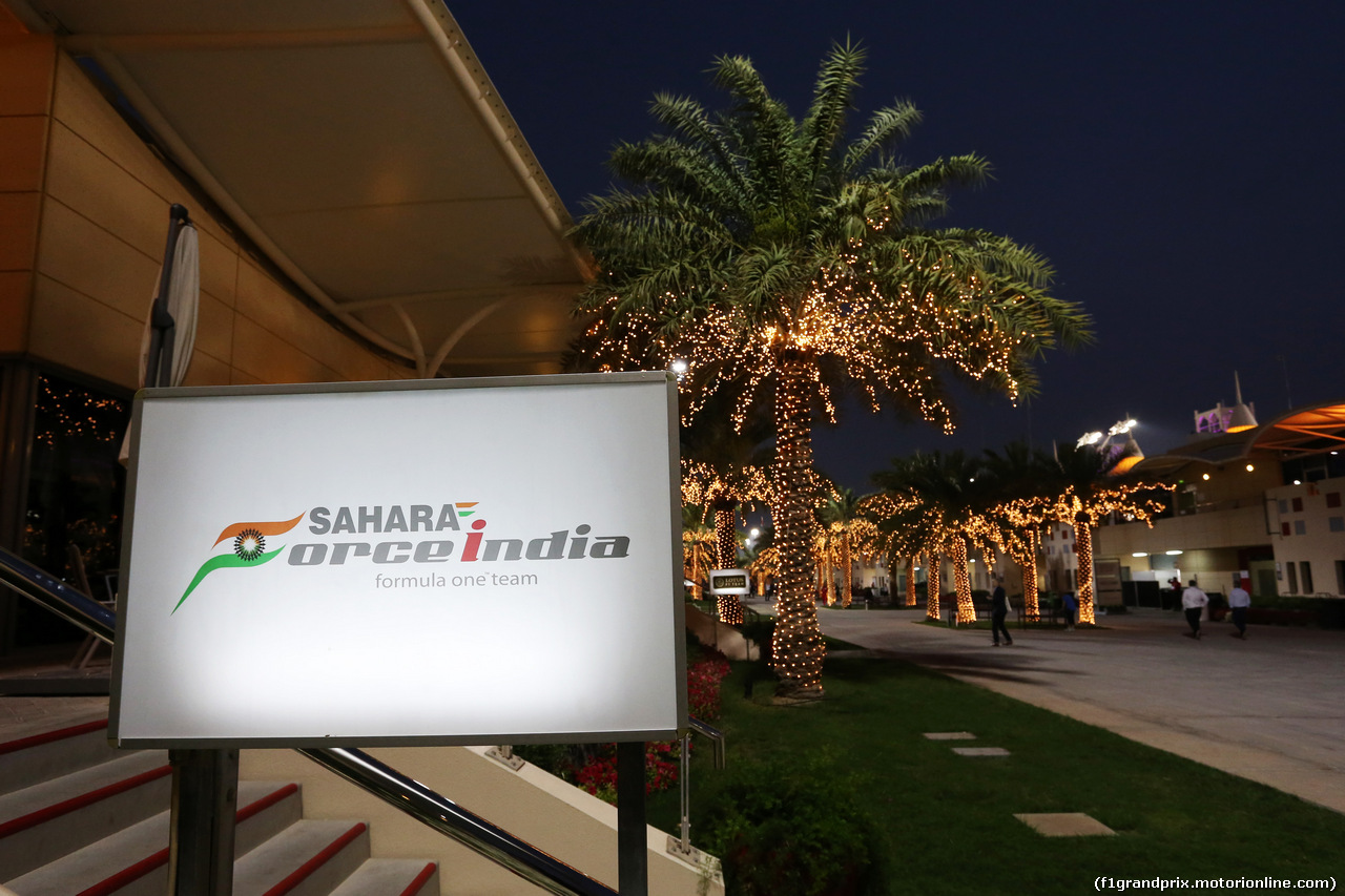 GP BAHRAIN, The Sahara Force India F1 Team hospiality building in the paddock at night. 03.04.2014. Formula 1 World Championship, Rd 3, Bahrain Grand Prix, Sakhir, Bahrain, Preparation Day.