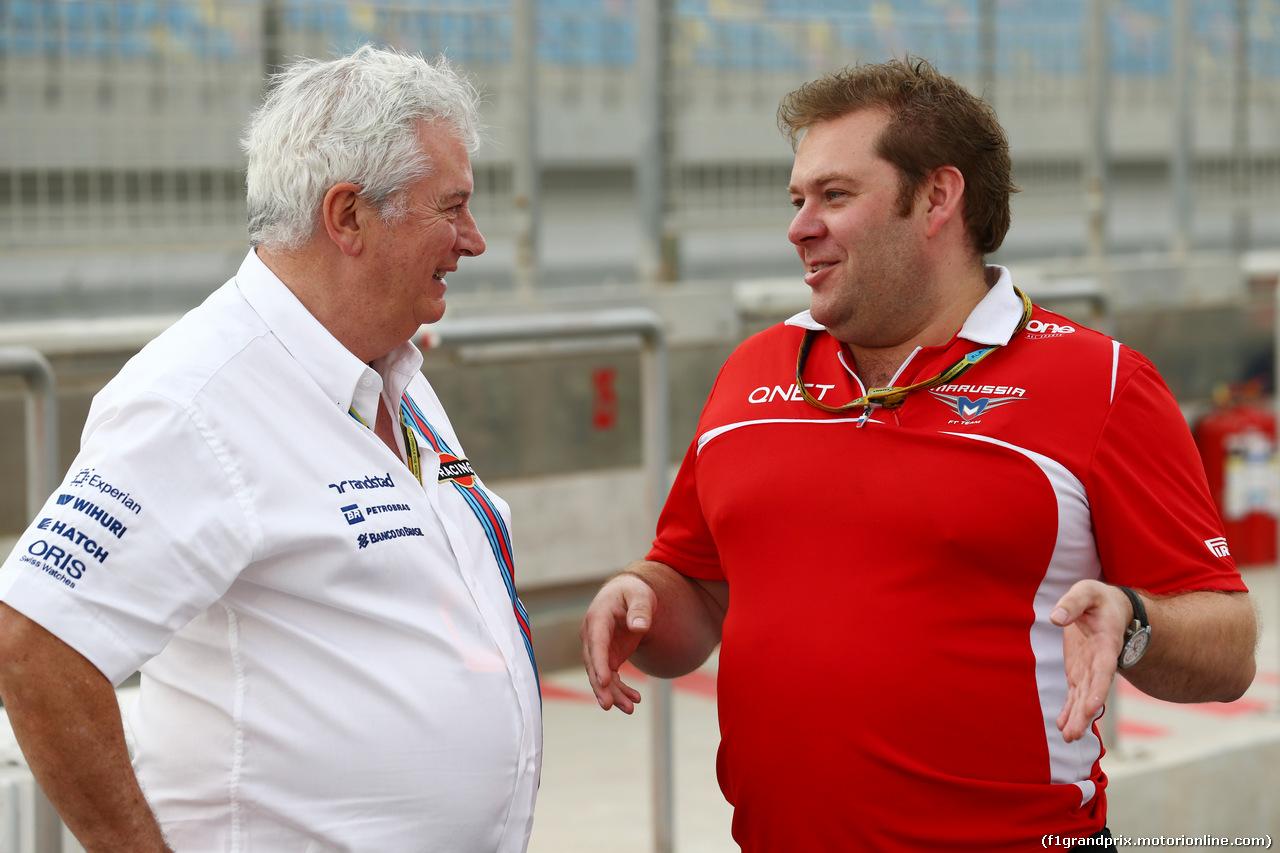GP BAHRAIN, (L to R): Pat Symonds (GBR) Williams Chief Technical Officer with Dave Greenwood (GBR) Marussia F1 Team Gara Engineer. 03.04.2014. Formula 1 World Championship, Rd 3, Bahrain Grand Prix, Sakhir, Bahrain, Preparation Day.