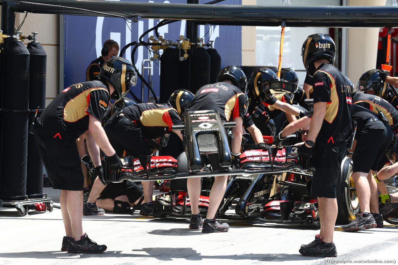 GP BAHRAIN, 05.04.2014- Lotus Frontal Wing