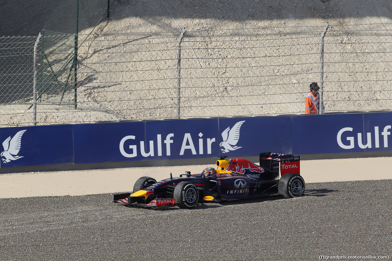 GP BAHRAIN, 05.04.2014- Free practice 3, Sebastian Vettel (GER) Infiniti Red Bull Racing RB10 in the sand