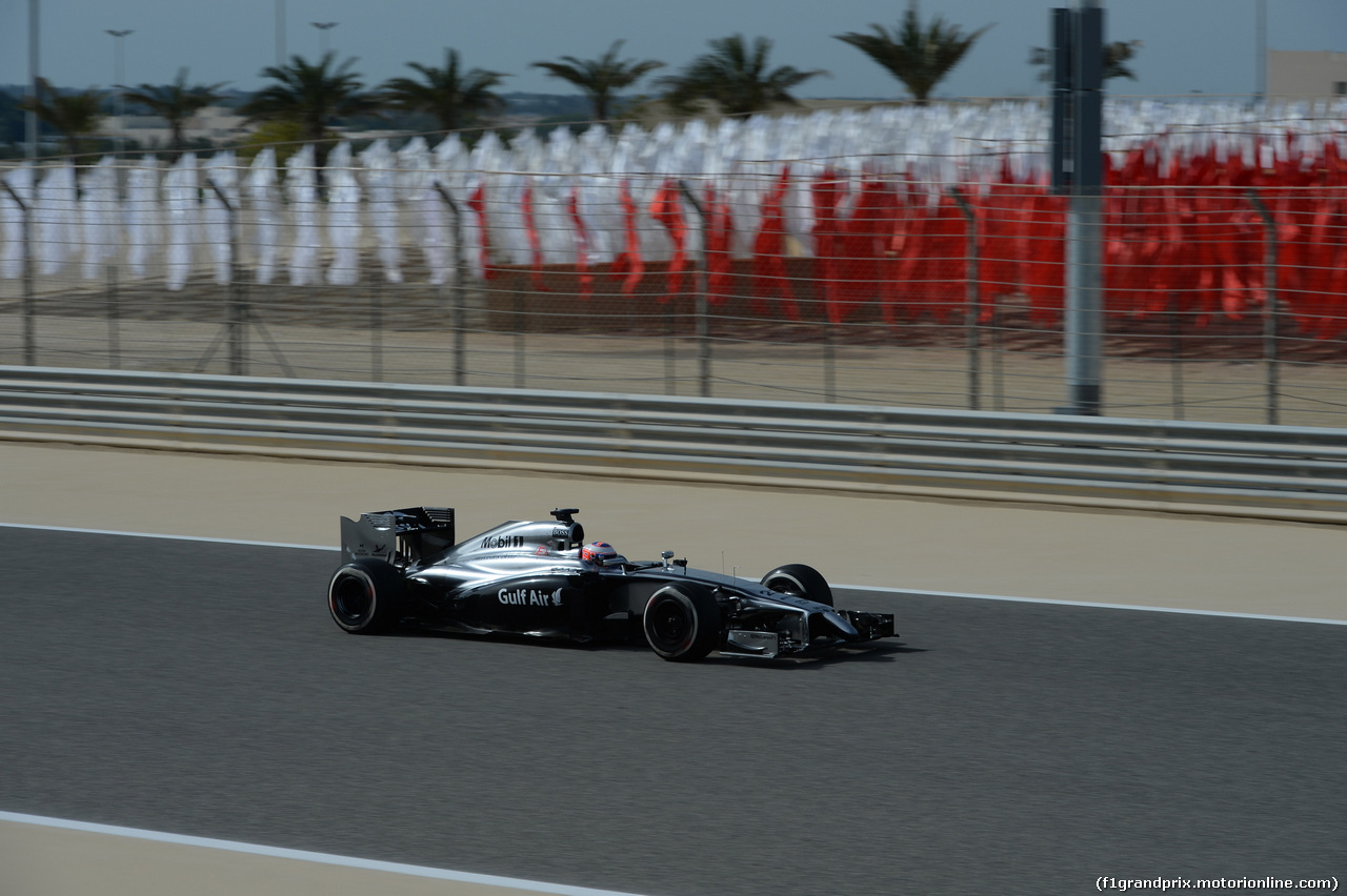 GP BAHRAIN, 04.04.2014- Prove Libere 1, Jenson Button (GBR) McLaren Mercedes MP4-29