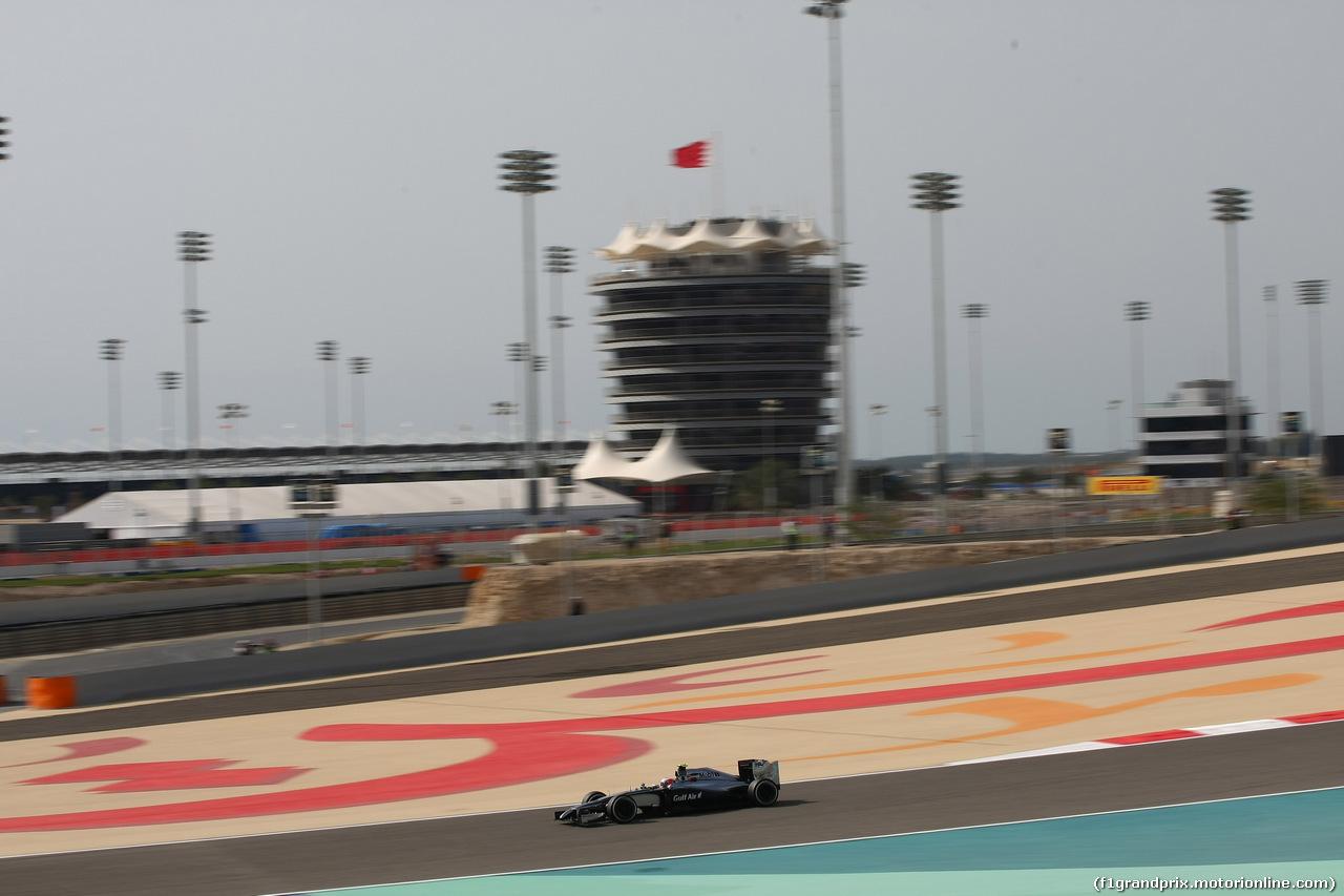 GP BAHRAIN, 04.04.2014- Prove Libere 1, Kevin Magnussen (DEN) McLaren Mercedes MP4-29