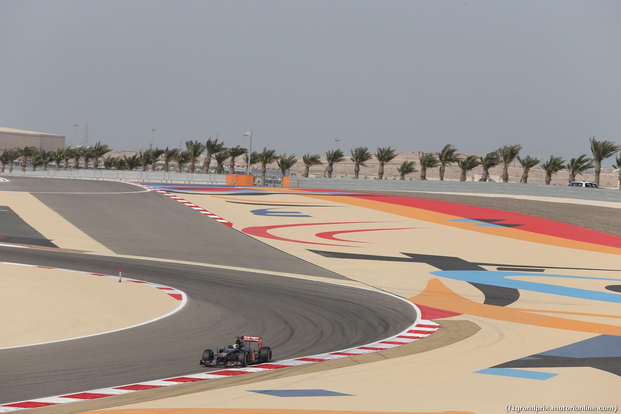 GP BAHRAIN, 04.04.2014- Prove Libere 1, Jean-Eric Vergne (FRA) Scuderia Toro Rosso STR9