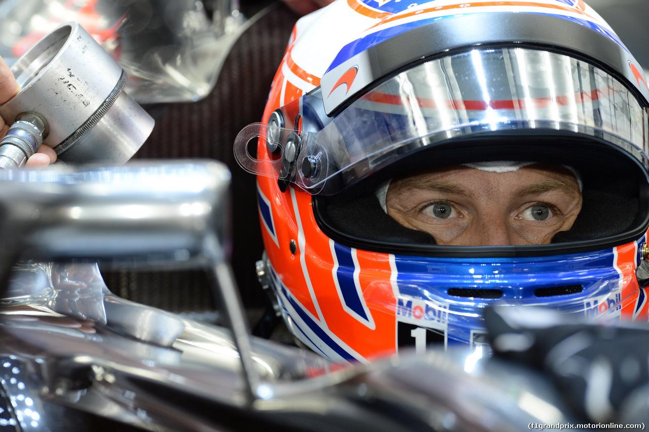 GP BAHRAIN, 04.04.2014- Prove Libere 2, Jenson Button (GBR) McLaren Mercedes MP4-29