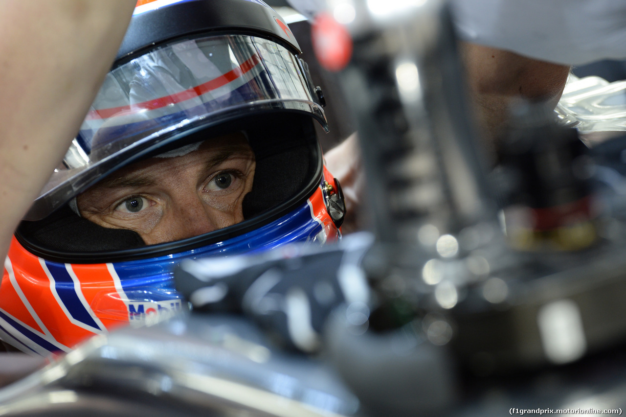GP BAHRAIN, 04.04.2014- Prove Libere 2, Jenson Button (GBR) McLaren Mercedes MP4-29