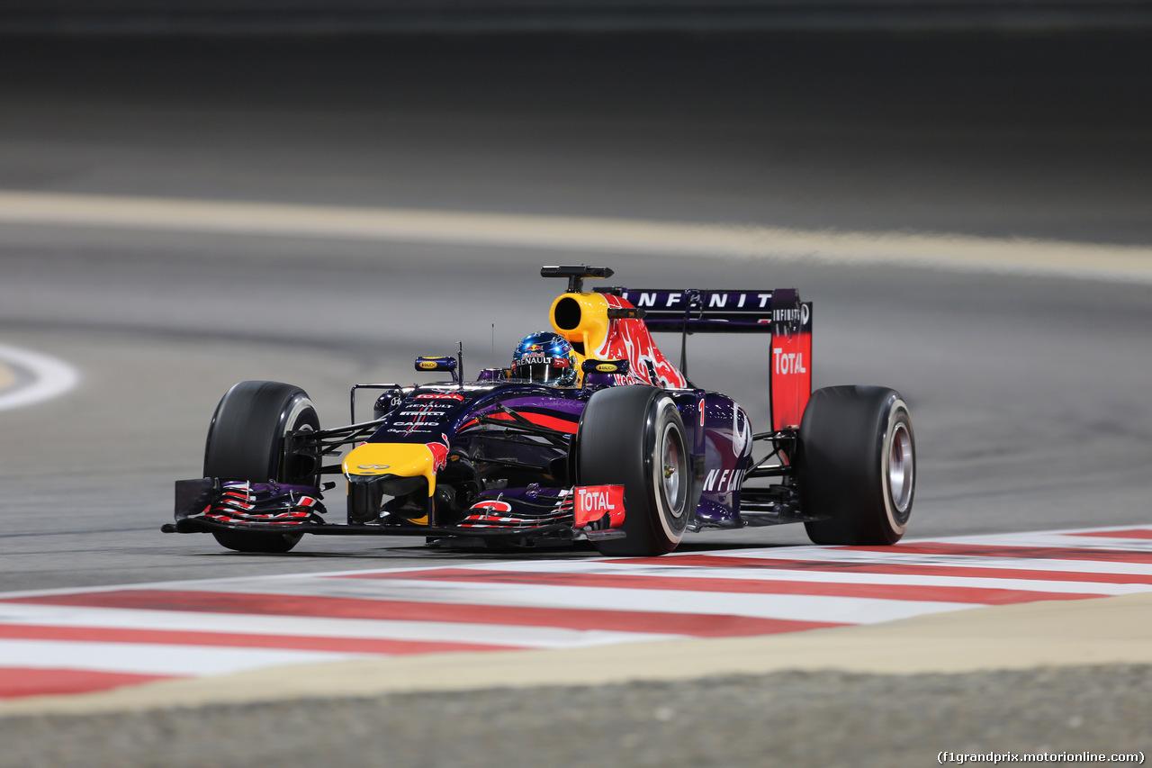 GP BAHRAIN, 04.04.2014- Prove Libere 2, Sebastian Vettel (GER) Infiniti Red Bull Racing RB10
